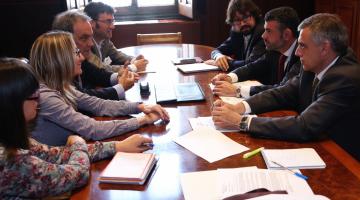 Els municipis volen canvis en el transports ferroviari i de carretera