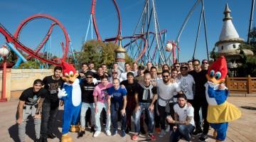 La plantilla del Barça a les instal·lacions de PortAventura/Cedida