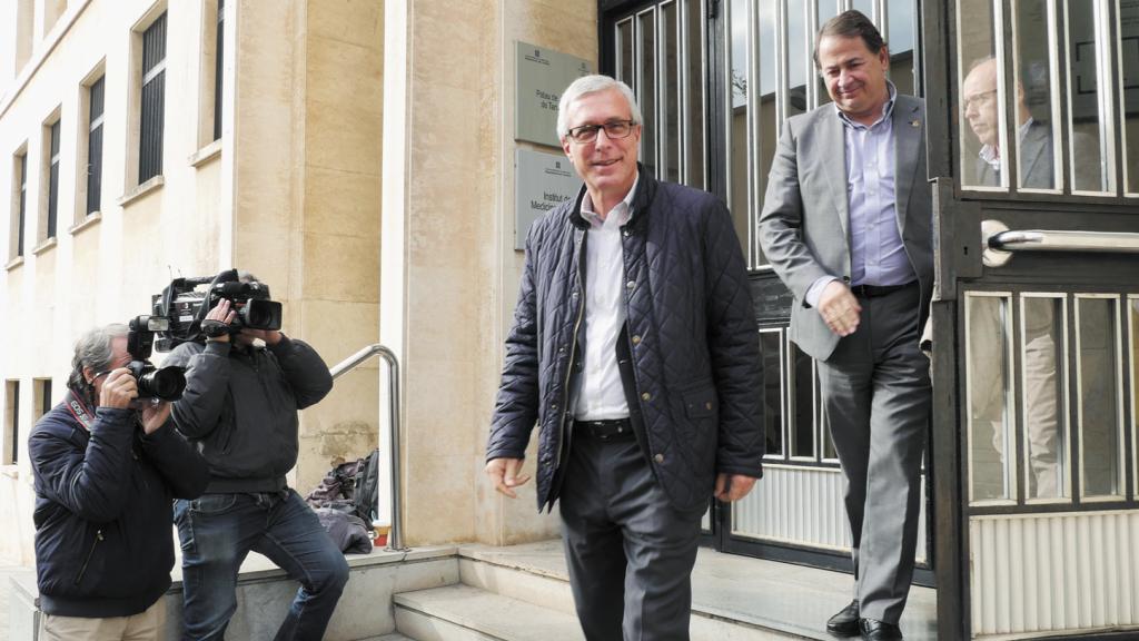 Ballesteros surt del jutjat després de declarar./Tomàs Varga