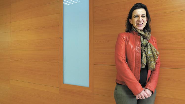 La doctora Olga Araújo, responsable de la Unitat de Malalties Autoimmunes de l'Hospital de Santa Tecla/Foto: Tomàs Varga.