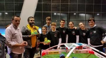 Alumnes de l'Institut del Morell a la presentació del projecte al CosmoCaixa.
