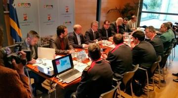 El conseller d'Interior, Jordi Jané, ha assistit a la Junta Local de Seguretat de Salou juntament amb l'alcalde de la ciutat, Pere Granados.