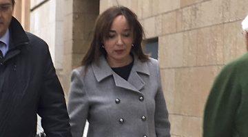 Begoña Floria, en el moment d'arribada al jutjat. / Cedida per Diari La República